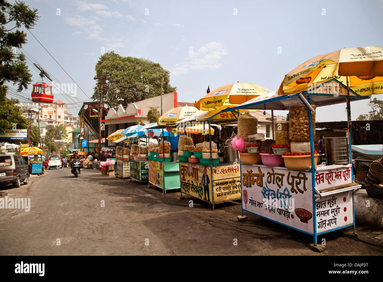 Food stalls along the road, Mall Road, Mussoorie, Uttarakhand, India - Stock Image