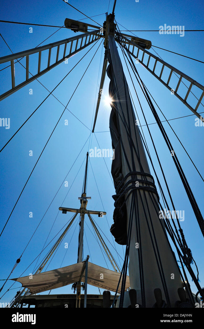 Masts and awning, Buginese Schooner, Seven Seas Liveaboard - Stock Image