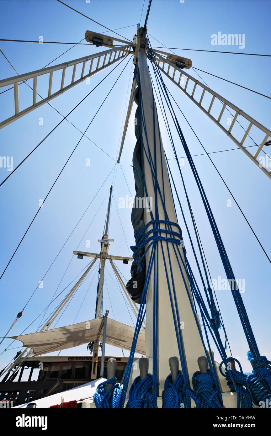 Masts and awning, Buginese Schooner, Seven Seas Liveaboard - Stock Image