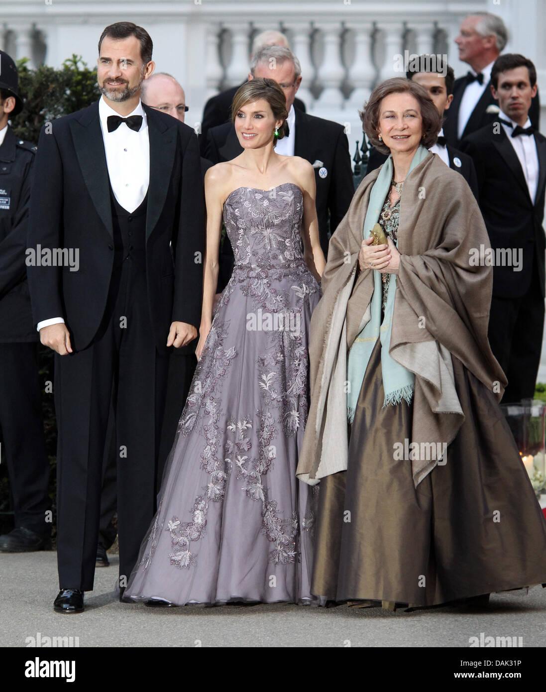 Princess Letizia Wedding Dress Royal Stock Photos & Princess Letizia ...