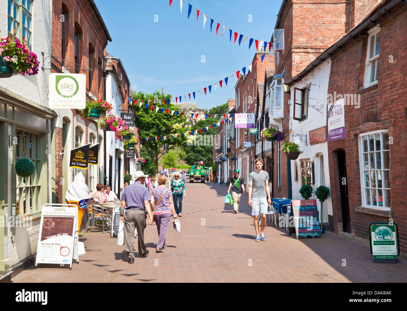 Historic buildings shops and cafes Dam street Lichfield Staffordshire England UK GB EU Europe - Stock Image