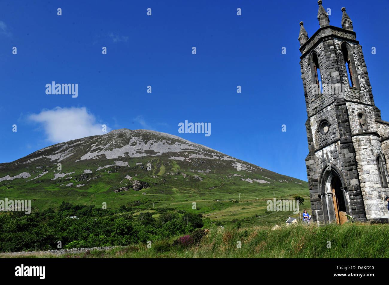 Dunlewey Church of Ireland and Mount Errigal, County Donegal, Ireland - Stock Image