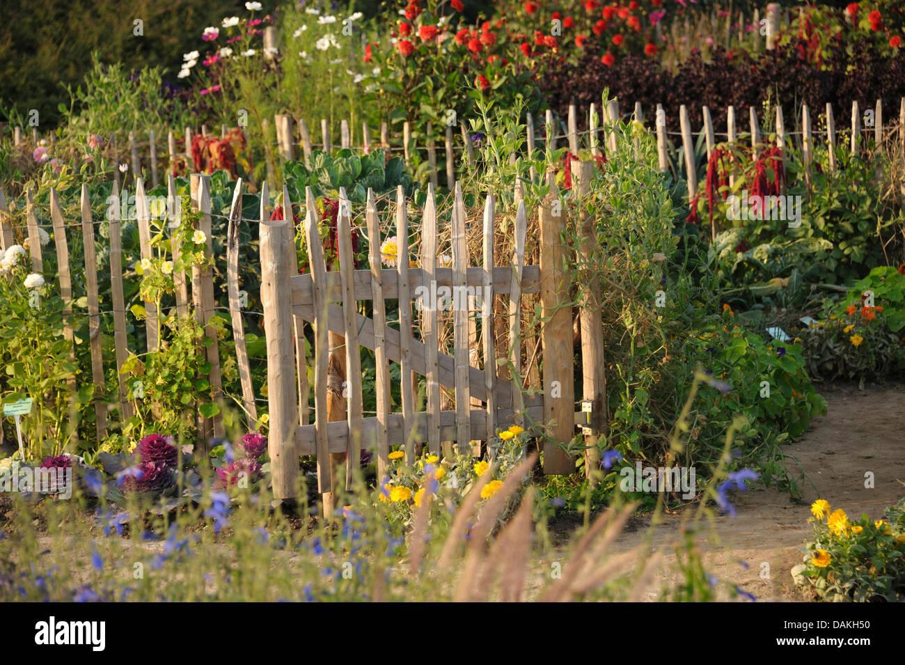 Garden Gates Stock Photos & Garden Gates Stock Images - Alamy
