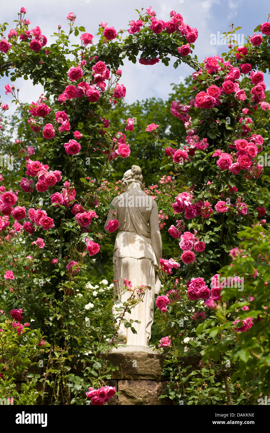 Statue Woman Flower Stock Photos & Statue Woman Flower Stock Images ...
