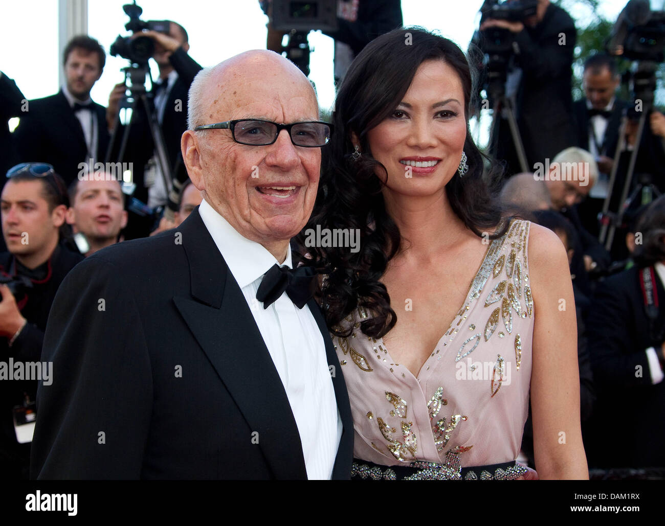 Media mogul Rupert Murdoch and his wife Wendi Deng Murdoch attend the premiere of 'The Tree Of Life' at - Stock Image