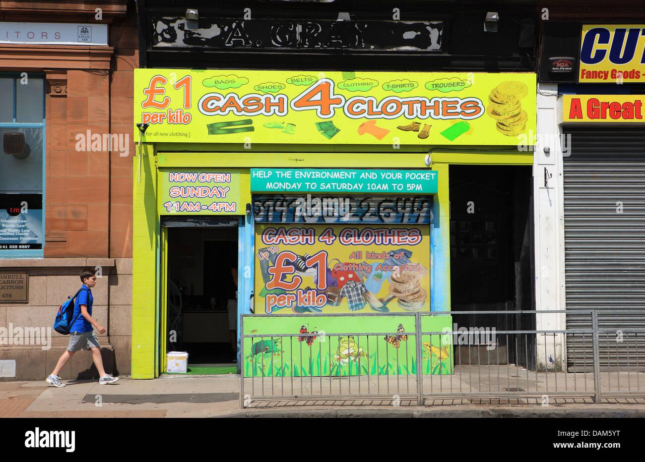 Cash 4 clothes shop in the Partick district of Glasgow, Scotland - Stock Image