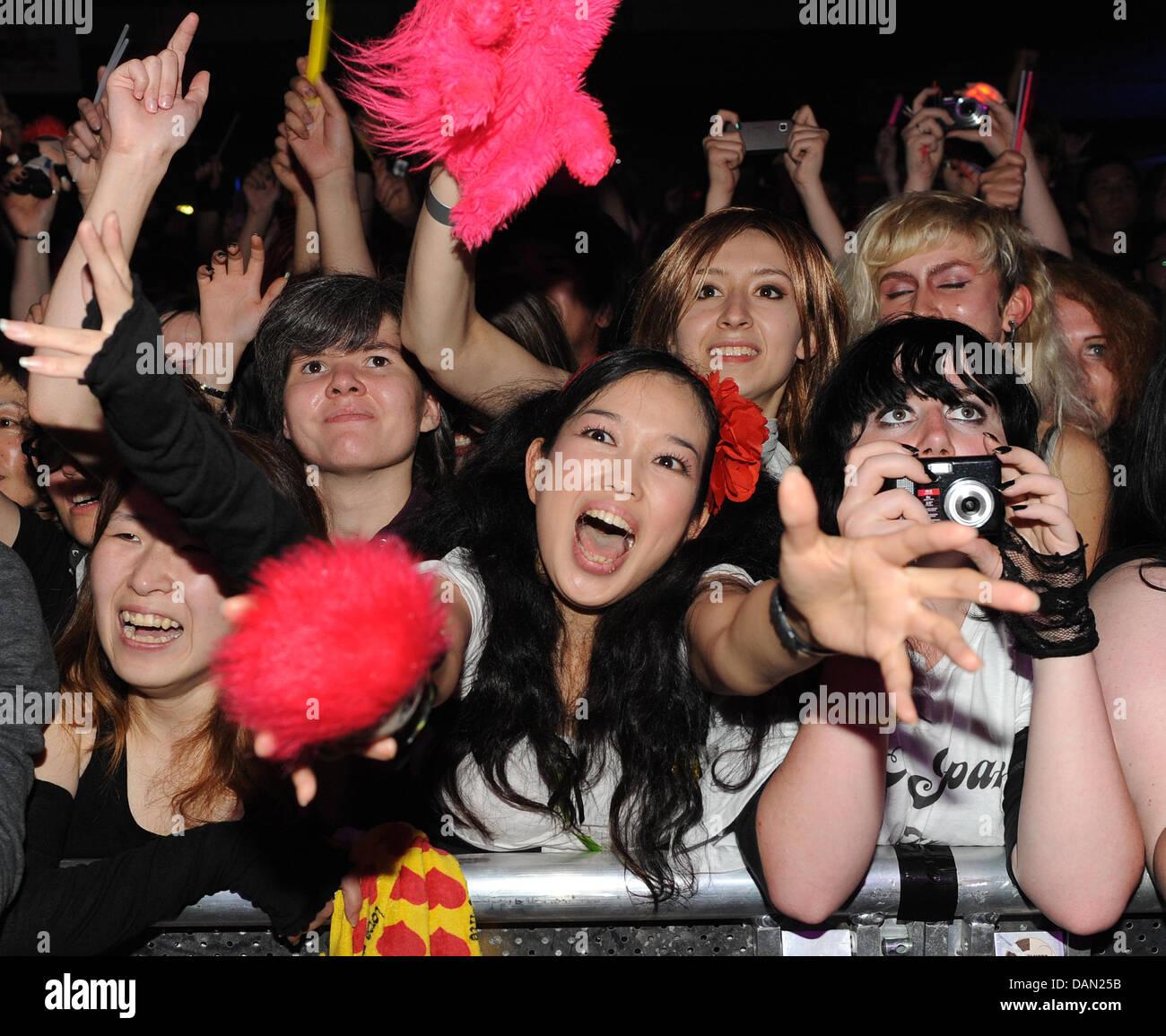 japan girls berlin