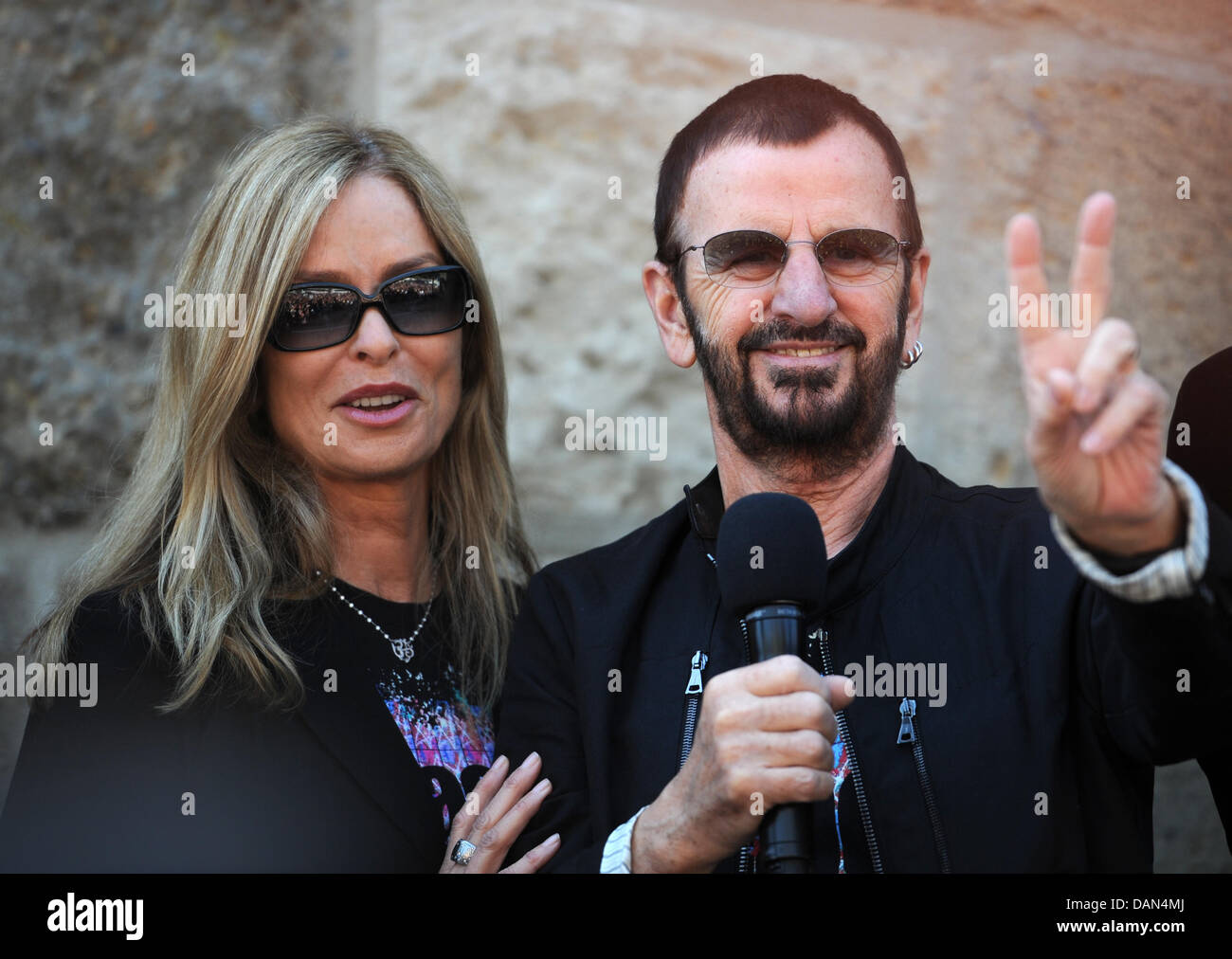 Former Beatle Ringo Starr (R) and his wife Barbara pose in ...