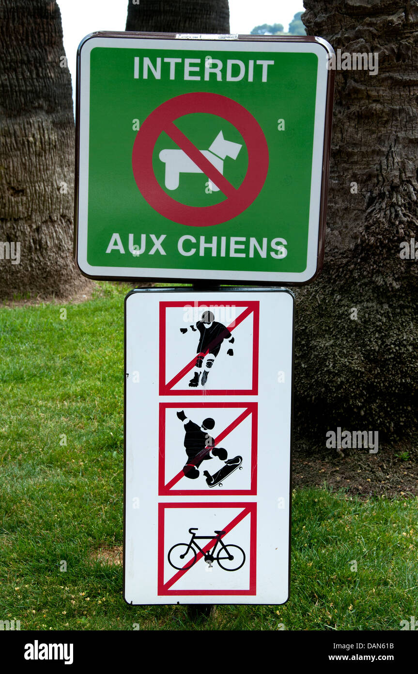 Interdit aux Chien - Prohibits Forbidden for Dog Dogs. Garden Grand Casino Monte Carlo Principality of Monaco - Stock Image