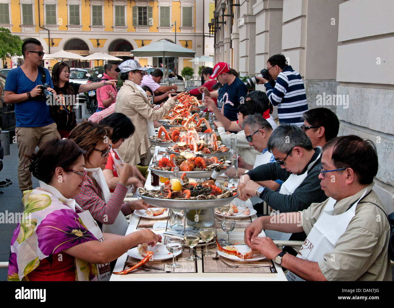 lunch cafe de turin nice france chinese people fruits de mer french stock photo 58244664 alamy. Black Bedroom Furniture Sets. Home Design Ideas