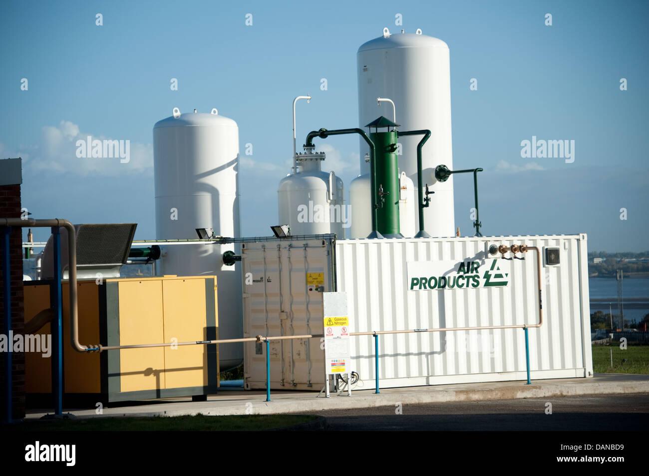Liquid Oxygen Tank Stock Photos & Liquid Oxygen Tank Stock