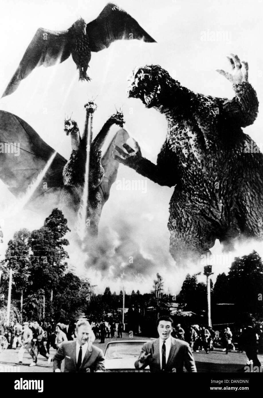 GODZILLA RAIDS AGAIN (1955) GOJIRA NO GYAKUSHU (ALT) GIGANTIS THE FIRE MONSTER (ALT) MOTOYOSHI ODA (DIR) GFM 002 - Stock Image