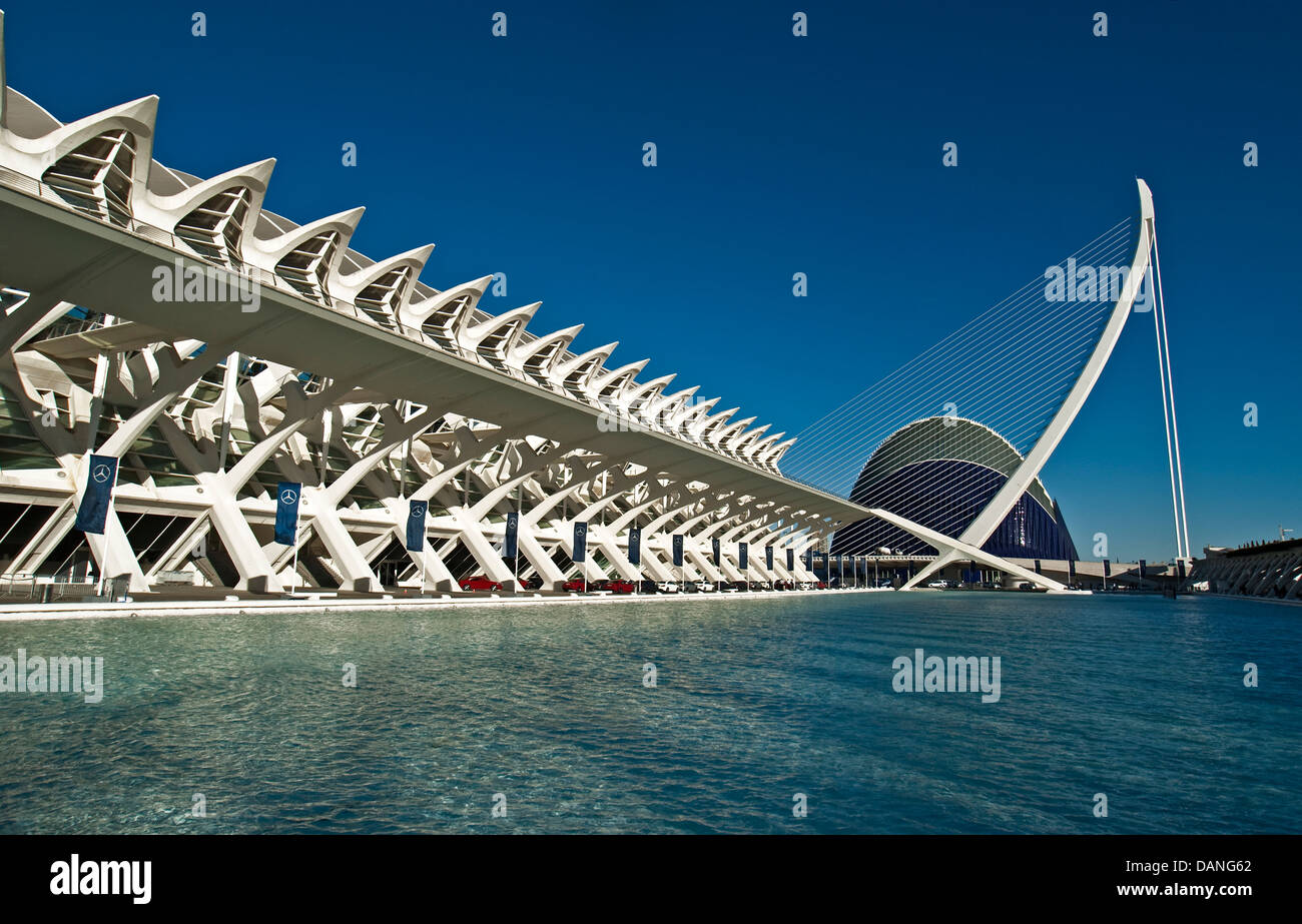 Valencia's City of Arts and Sciences with Prince Felipe Museum of Science at left and Hemisferic suspension - Stock Image