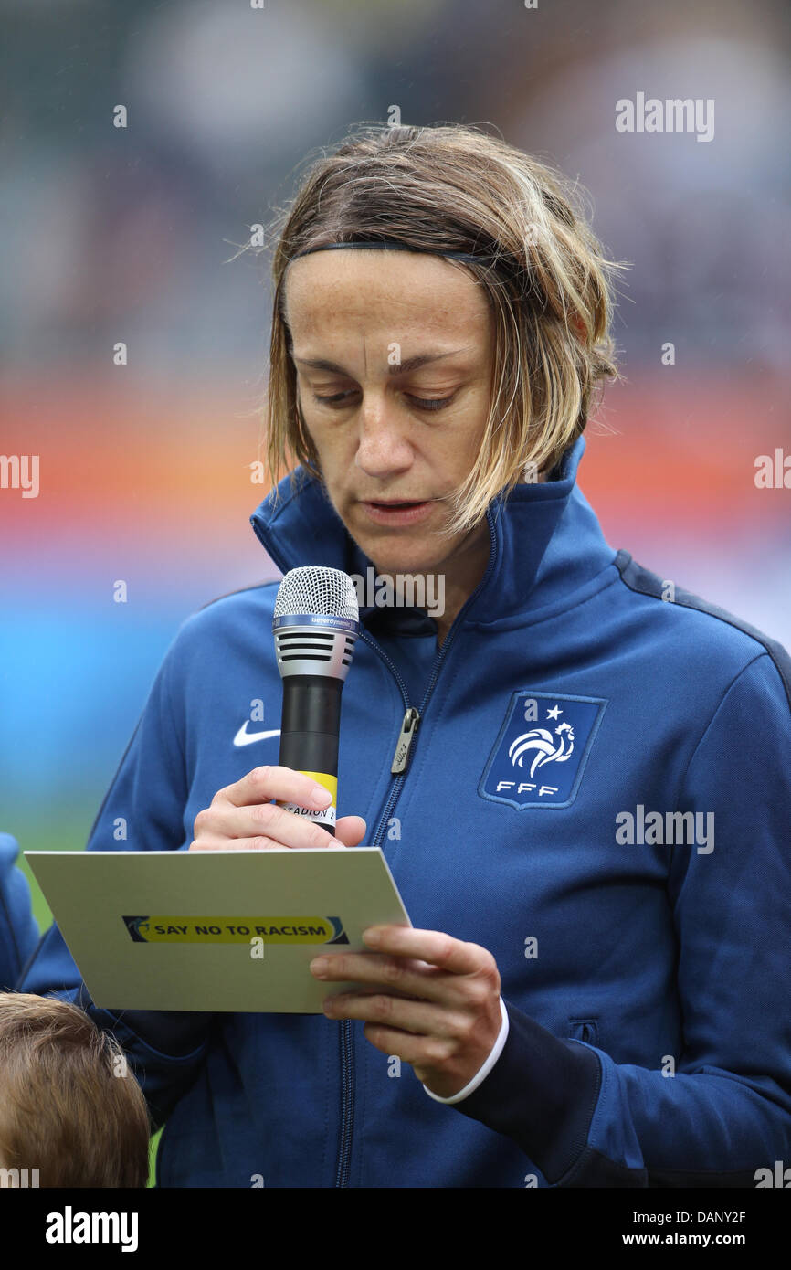 France's team captain Sandrine Soubeyrand reads a proclamation on the action 'Say No To Racism' prior - Stock Image