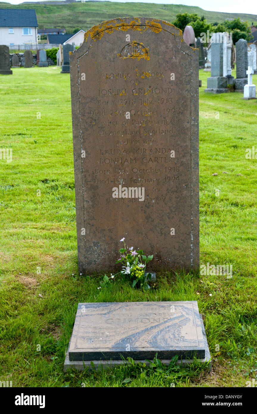 The grave of Jo Grimmond, a past MP for Orkney and Shetland and leader of the Liberal Party, in Finstown, Mainland, Stock Photo