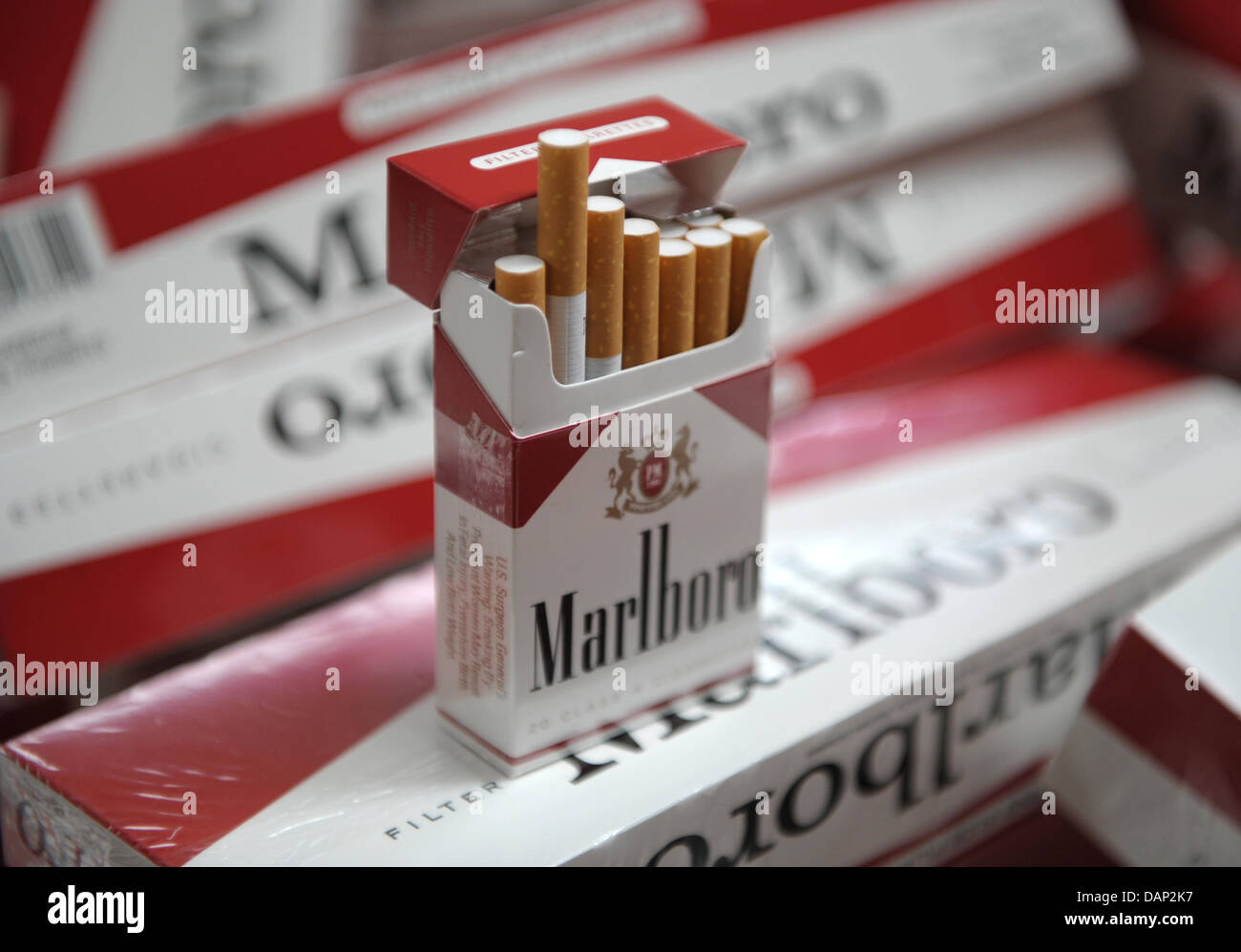 How much do cigarettes Gold Crown cost in Connecticut