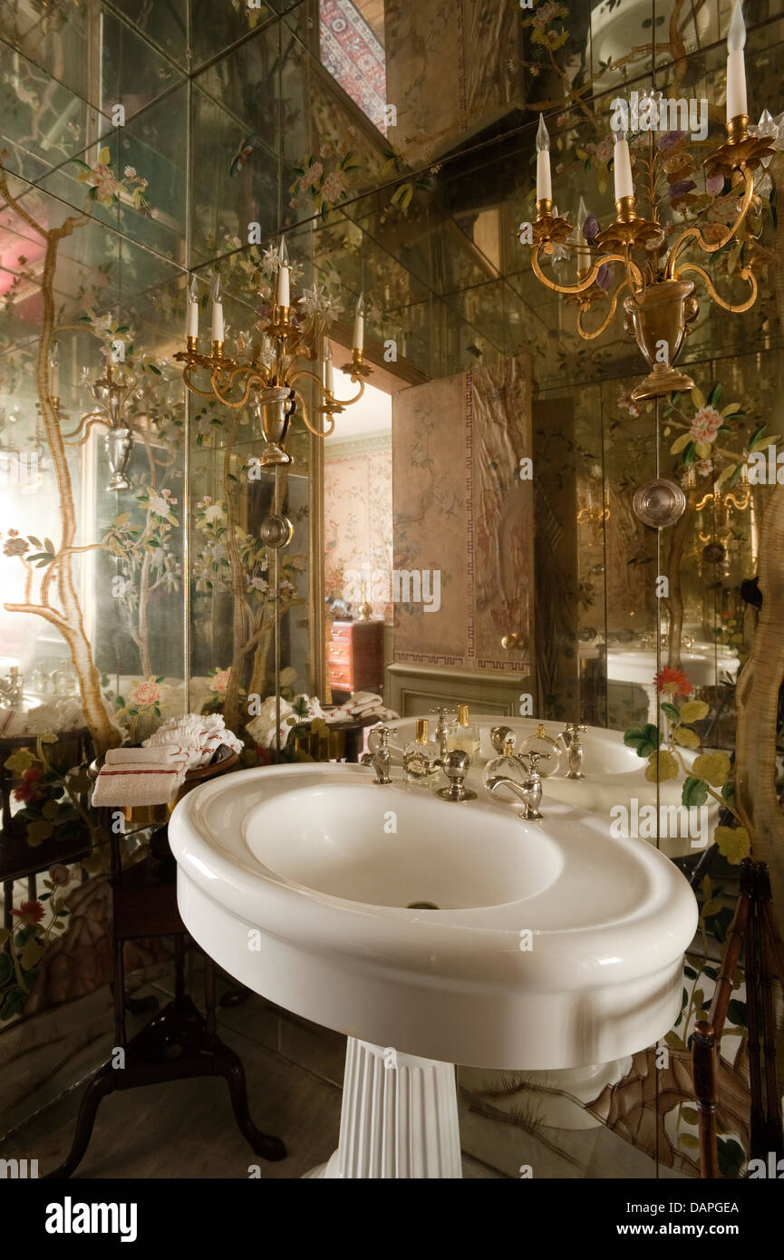 Bathroom with mirror lined walls and ceiling and bagues rock crystal bathroom with mirror lined walls and ceiling and bagues rock crystal sconces mozeypictures Images