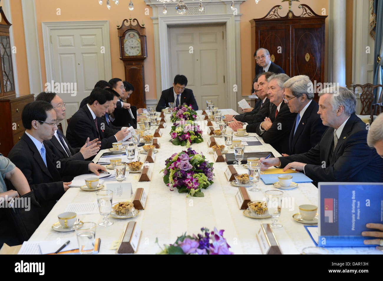 Secretaries Kerry and Lew, Chinese State Councilor Yang, and Chinese Vice Premier Wang Participate in the Strategic - Stock Image