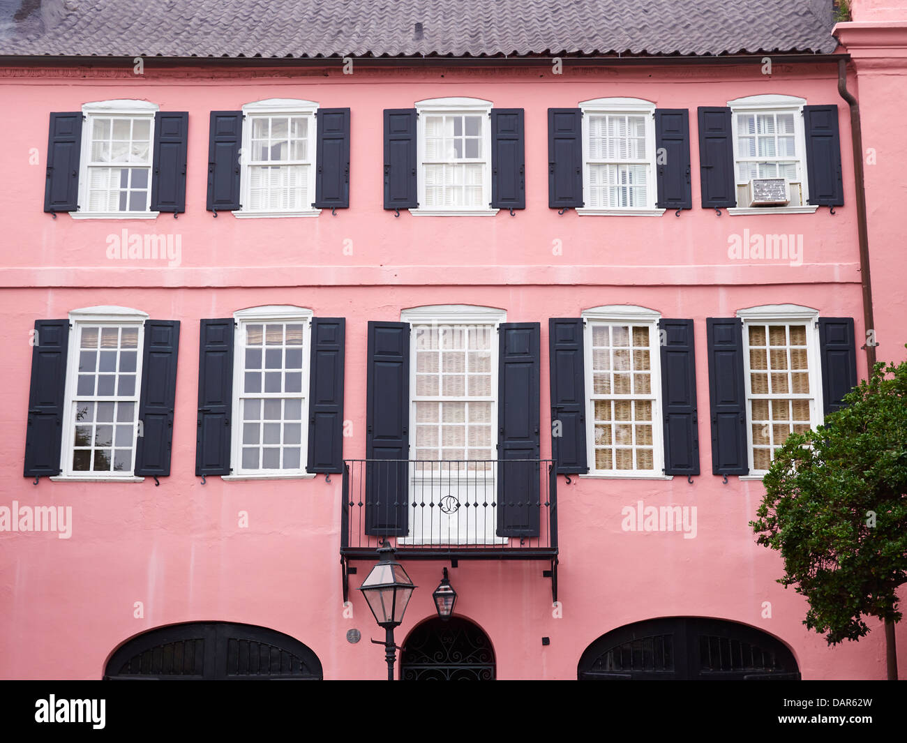 The Pink House Charleston Stock Photos & The Pink House Charleston ...