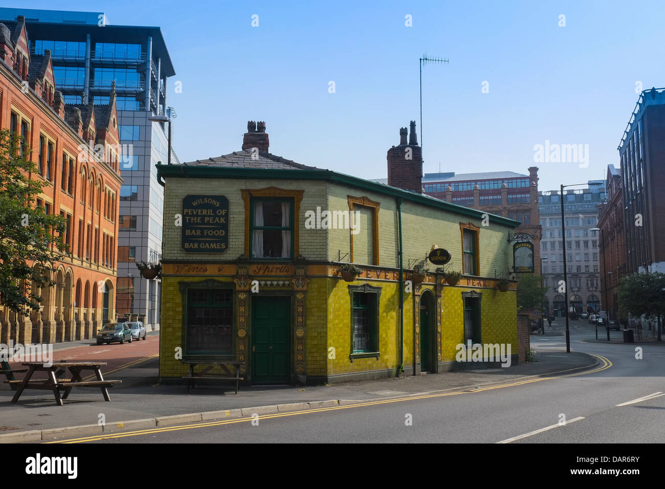 England, Manchester, view towards Peveril of the Peak Public house Stock Photo