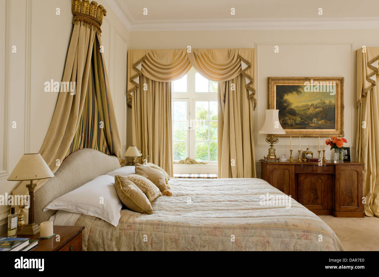 Exceptionnel Bed With Gilt Coronet In Bedroom With Full Length Pale Gold Curtains,  Ampney Park,