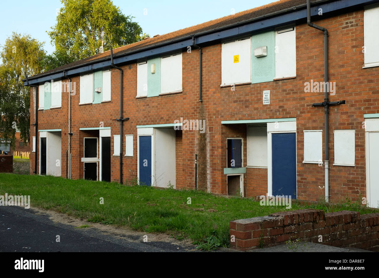 England, Manchester, derelict council home block in Islington district - Stock Image