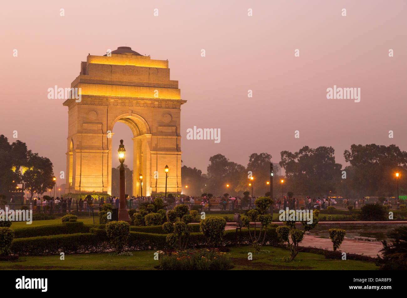 India, Uttar Pradesh, New Delhi, India Gate illuminated at twilight - Stock Image