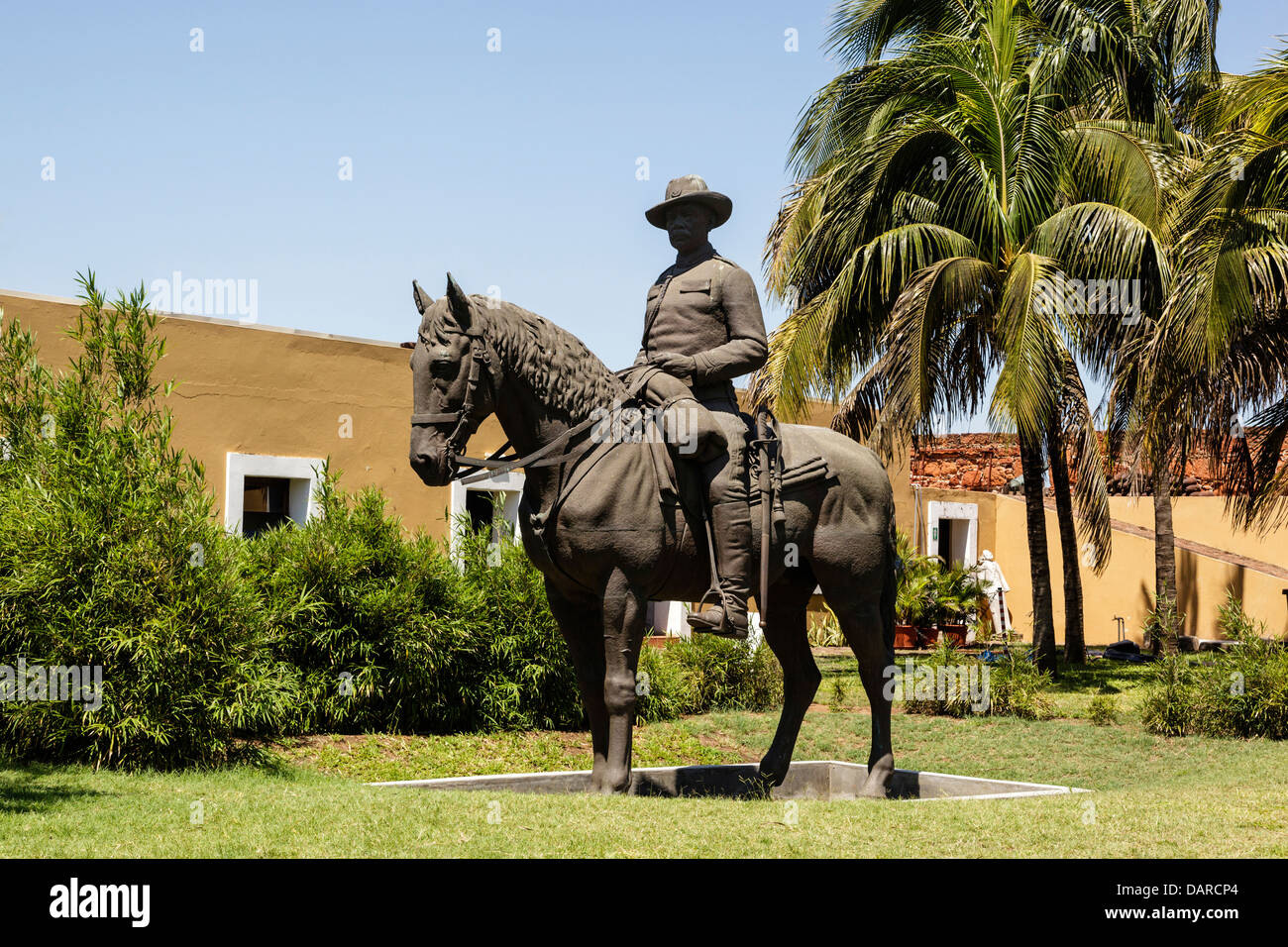 Africa, Mozambique, Maputo. Sculpture of Portuguese colonialist on horse at Old Fort. - Stock Image