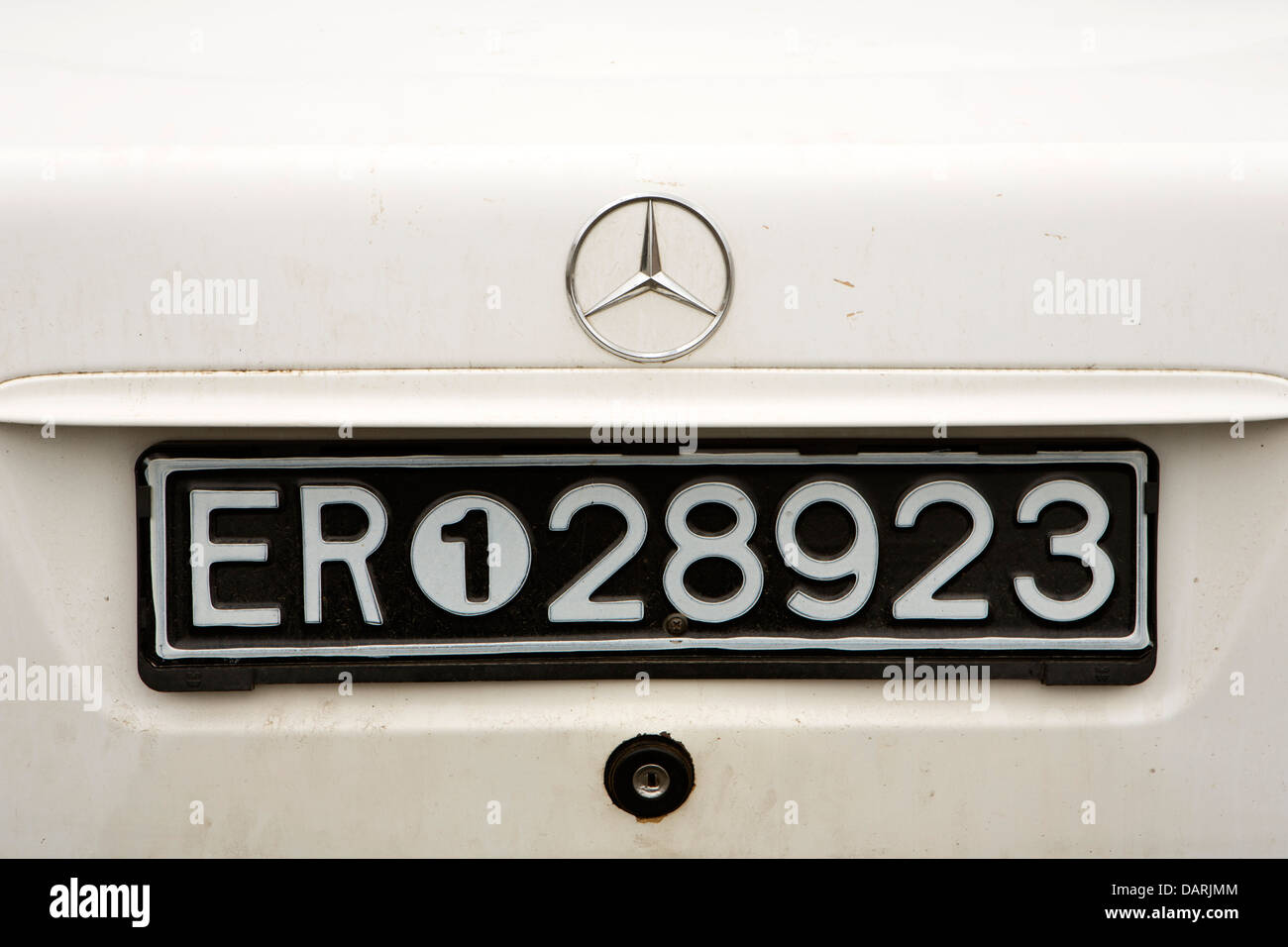 Africa, Eritrea, Massawa, Old Town, Eritrean vehicle number plate on rear Mercedes car - Stock Image