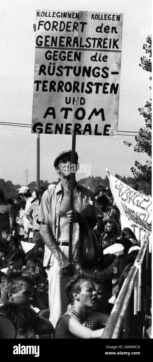 demonstrations, demonstration against nuclear armament, Bonn, 6.6.1982, Additional-Rights-Clearences-NA - Stock Image