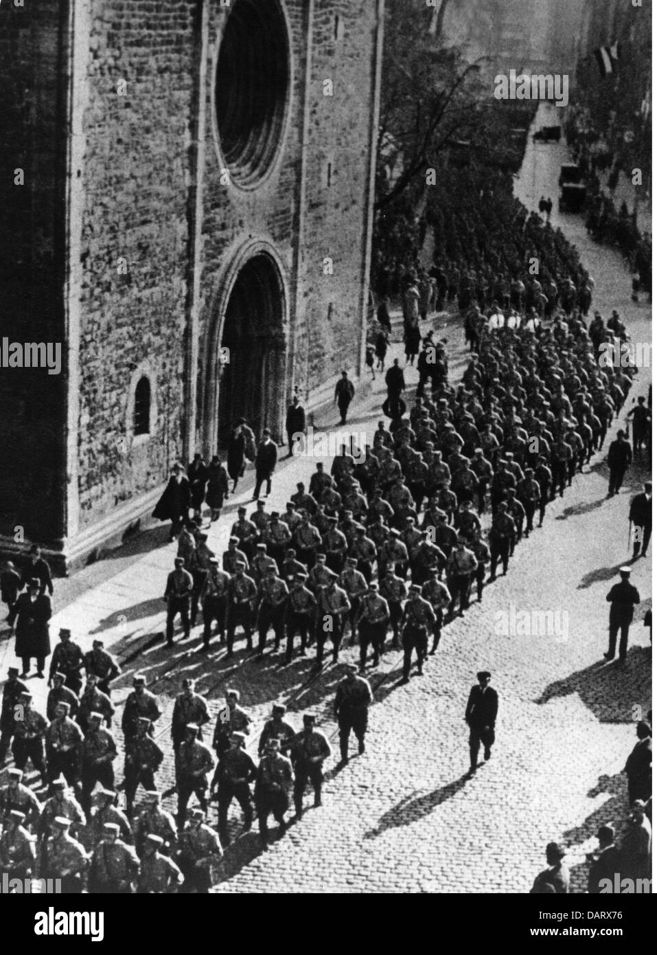 Nazism / National Socialism, organisations, storm troopers, (Sturmabteilung, SA), meeting in Brunswick, SA units - Stock Image