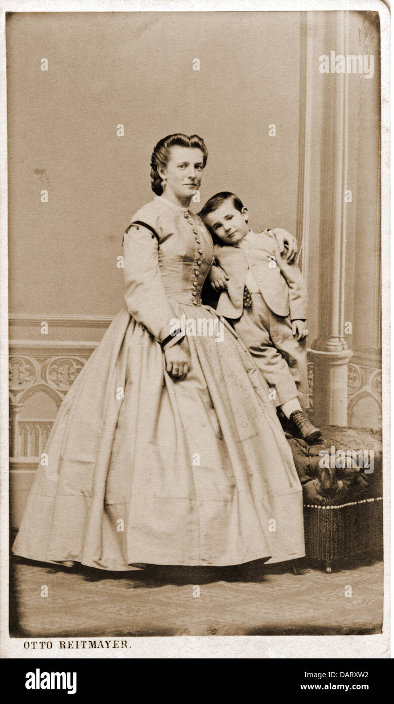 People Women Woman With Child Carte De Visite By Otto Reitmayer Munich Germany Circa 1900 Additional Rights Clearences NA