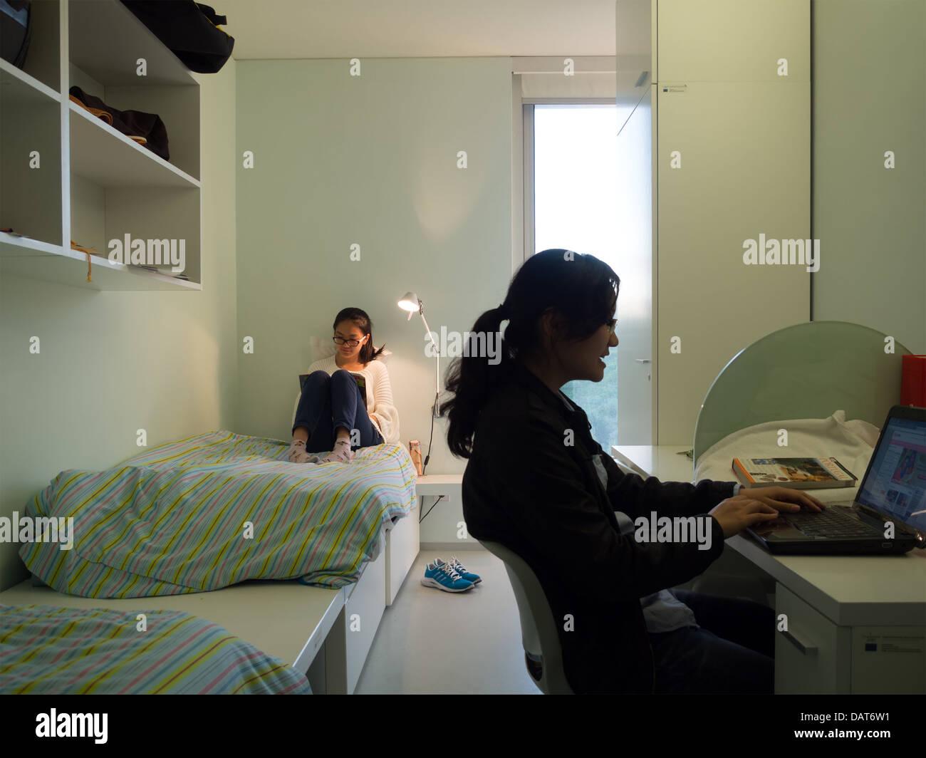College Roommate Finder   Uloop