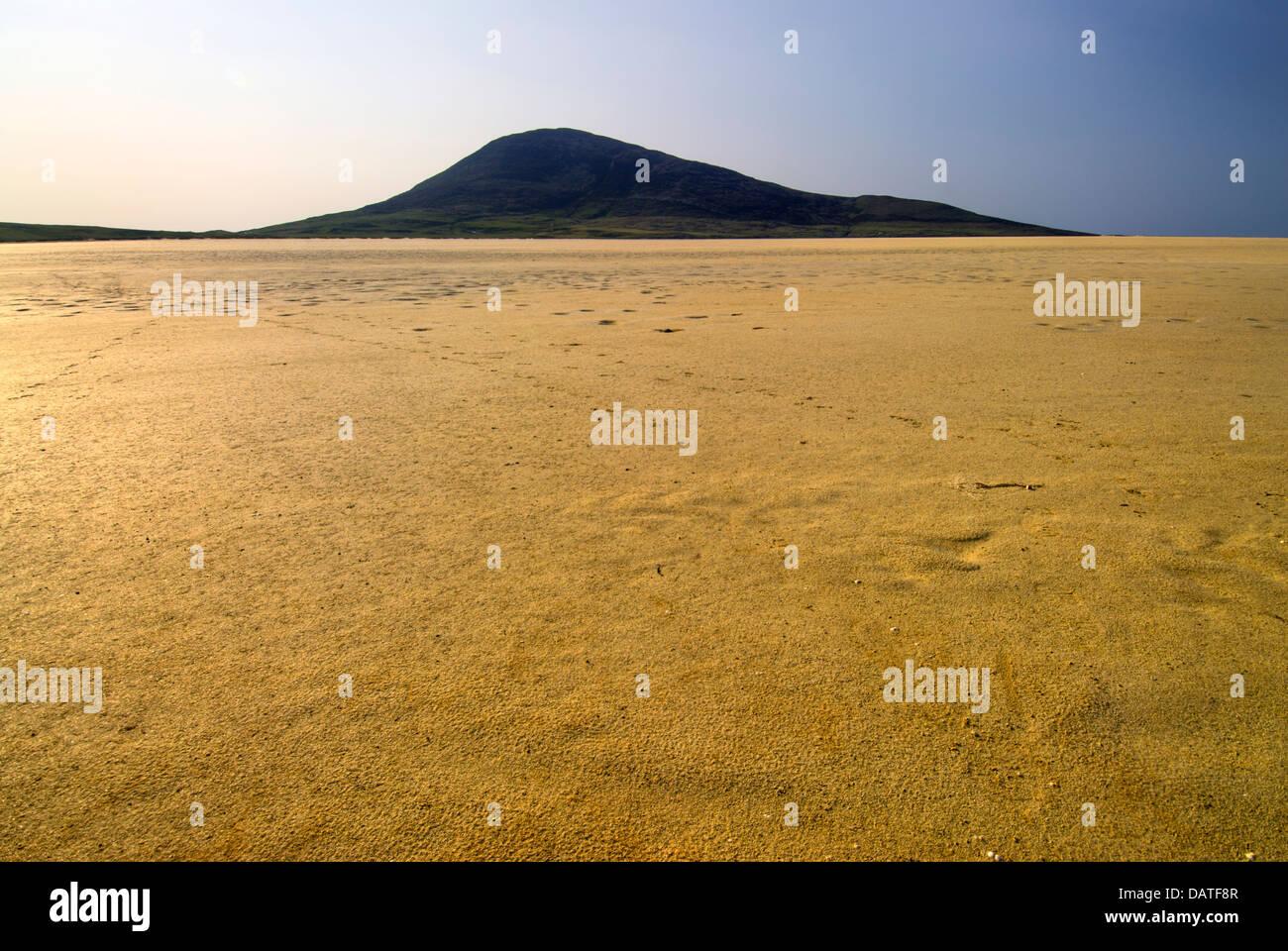 Northton-Scarista Beach and Toe Head mountain. Isle of Harris, Outer Hebrides, Scotland. - Stock Image