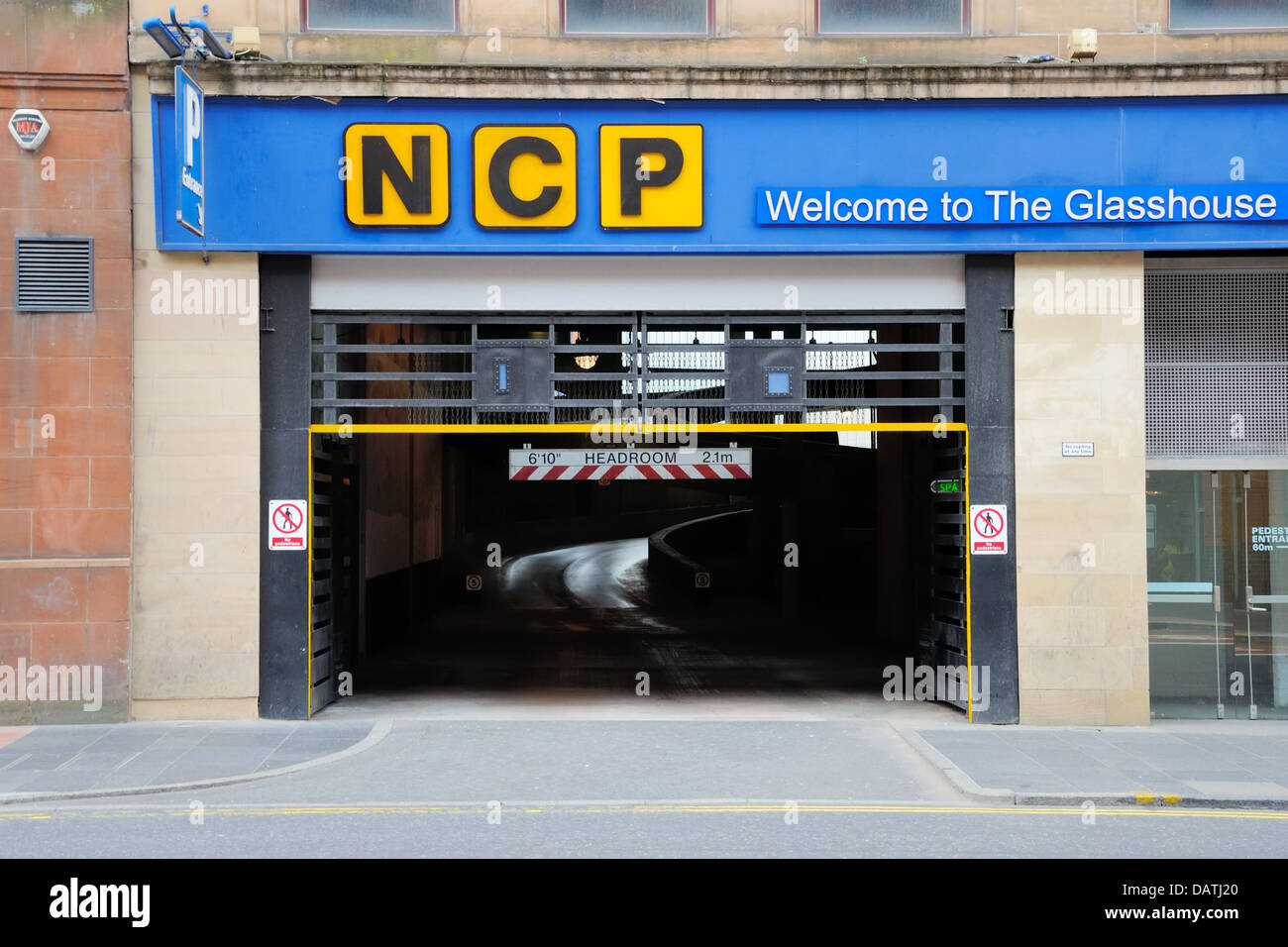 Car Park Height Restriction High Resolution Stock Photography And Images Alamy