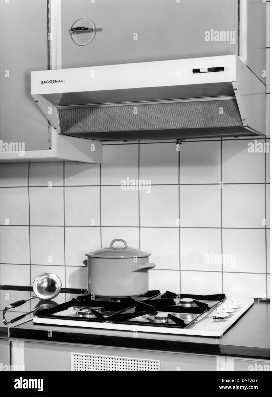 Stove Hoods Stock Photos & Stove Hoods Stock Images - Alamy