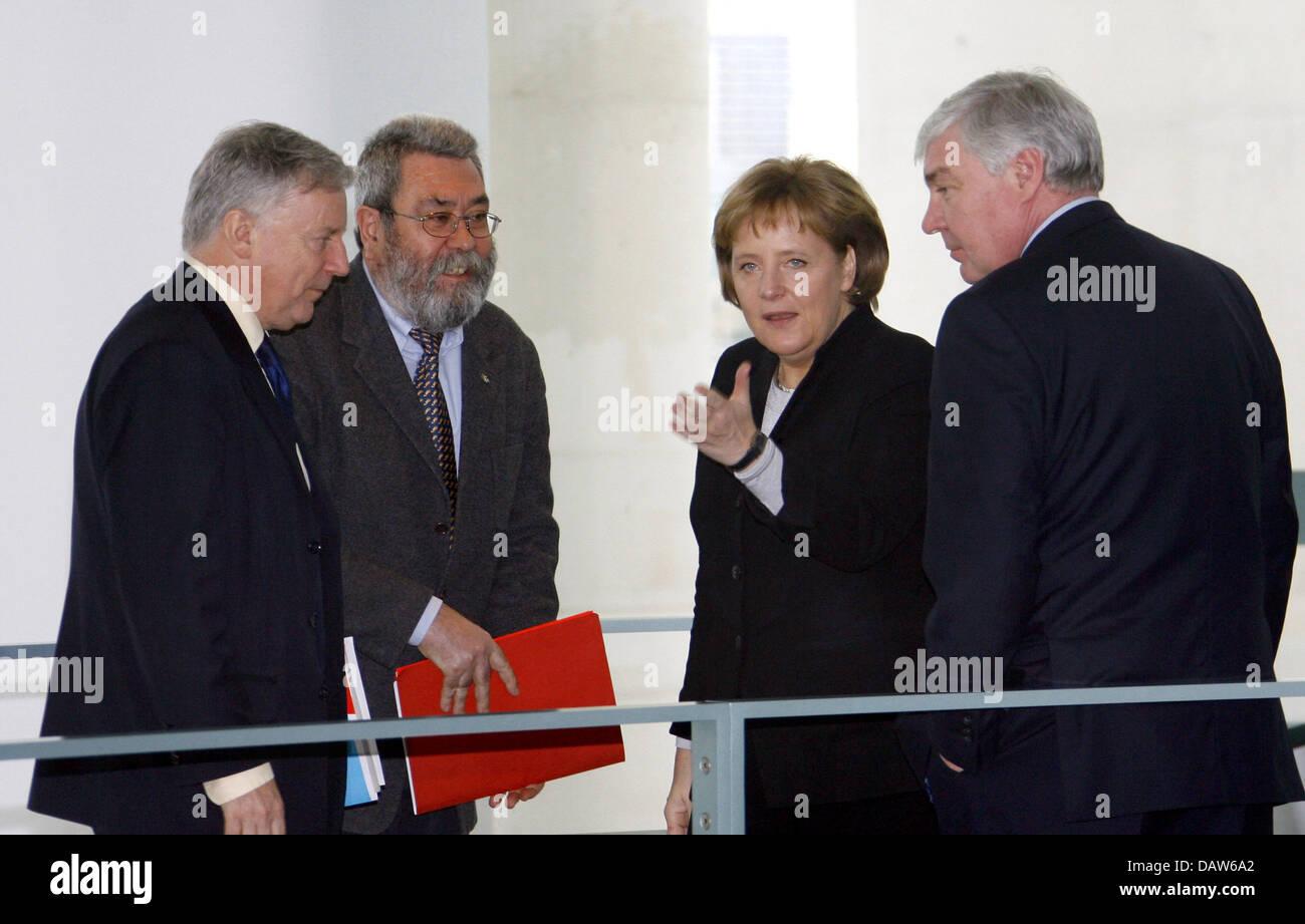 German Chancellor Angela Merkel (2ndR) meets with General Secretary of the European Trade Union Confederation (ETUC) - Stock Image