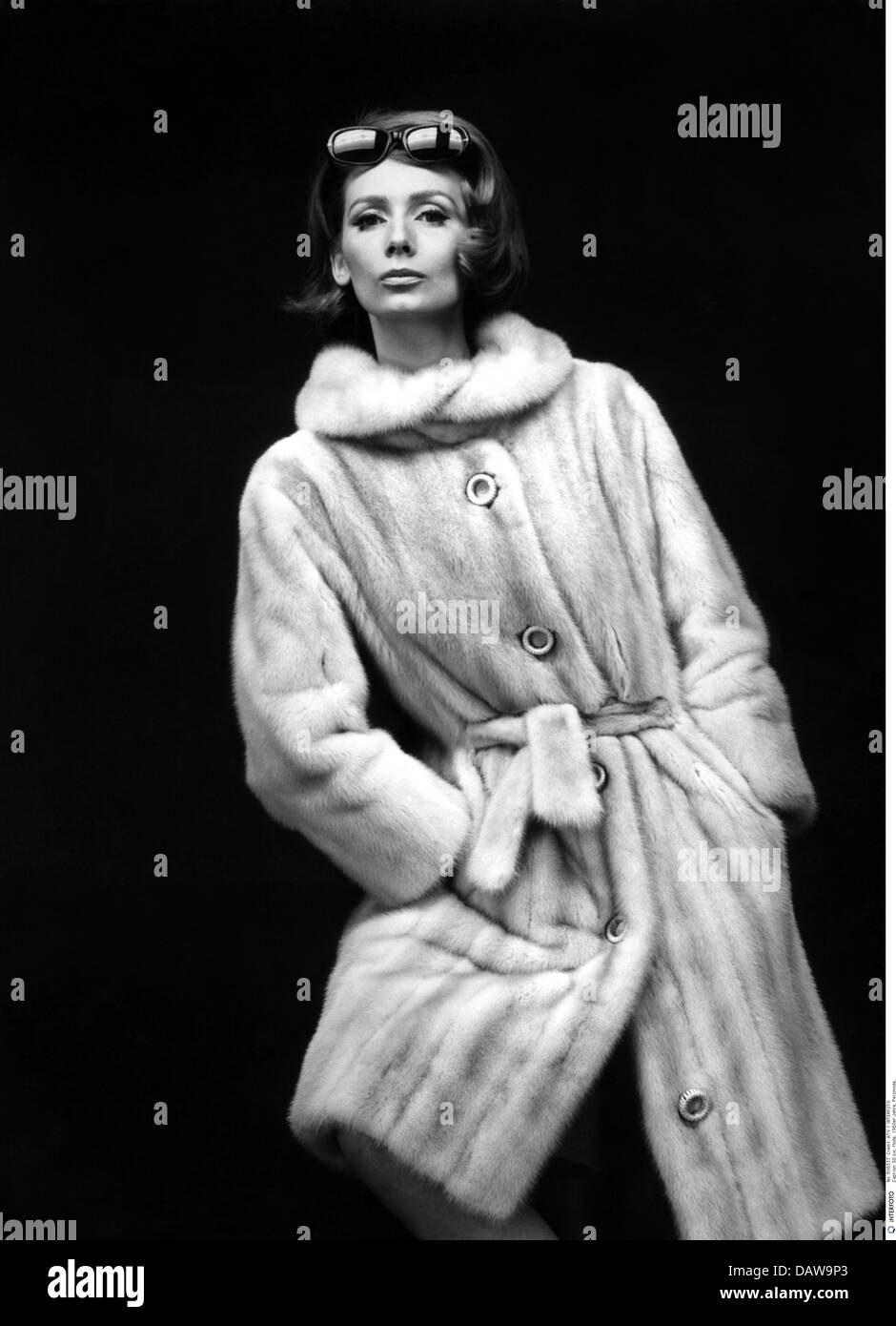 f4167de75b Fur Coat 1960s Stock Photos   Fur Coat 1960s Stock Images - Alamy