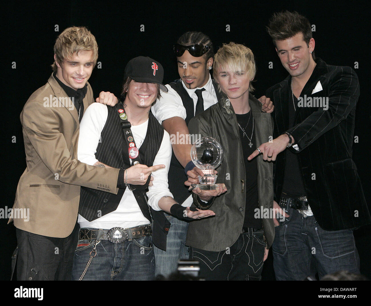 US-German boy band US5 pose with their 2007 Steiger Award