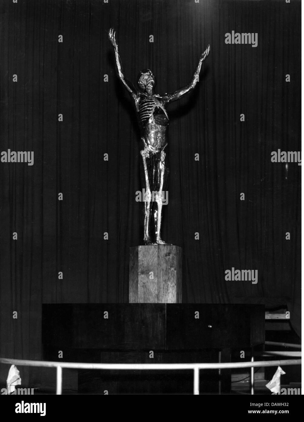 exhibitions, medicine, Hygiene Exhibition, Dresden, 1937, glassy man, previsitation, 13.5.1937, science, skeletton, - Stock Image