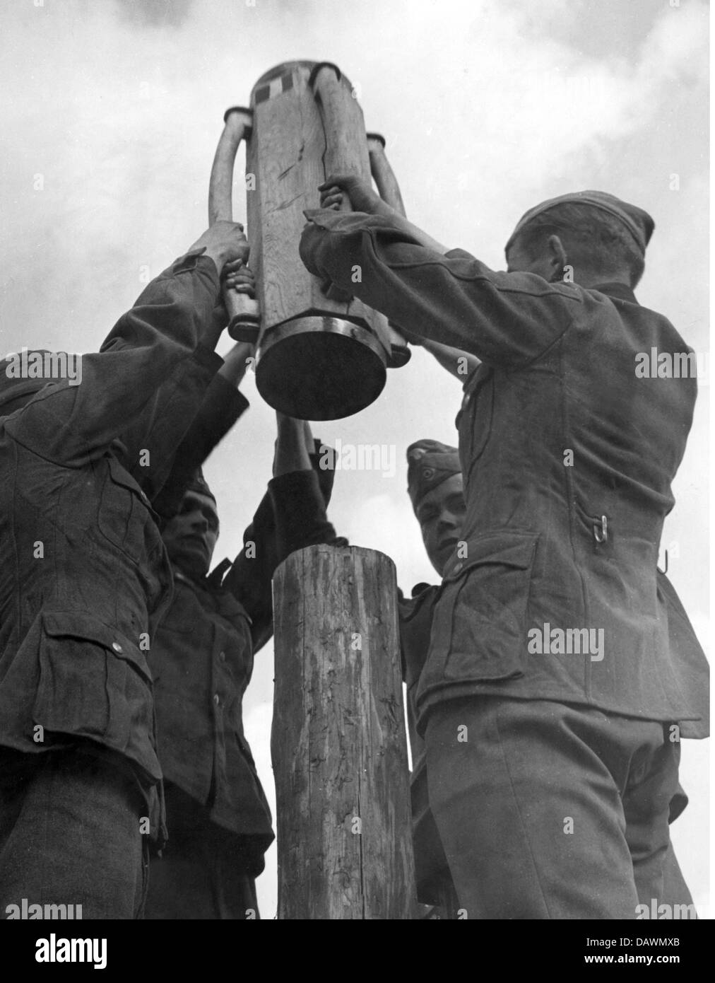 Nazism / National Socialism, military, Wehrmacht, army, training, manoeuvre at the Oder river, military engineers - Stock Image