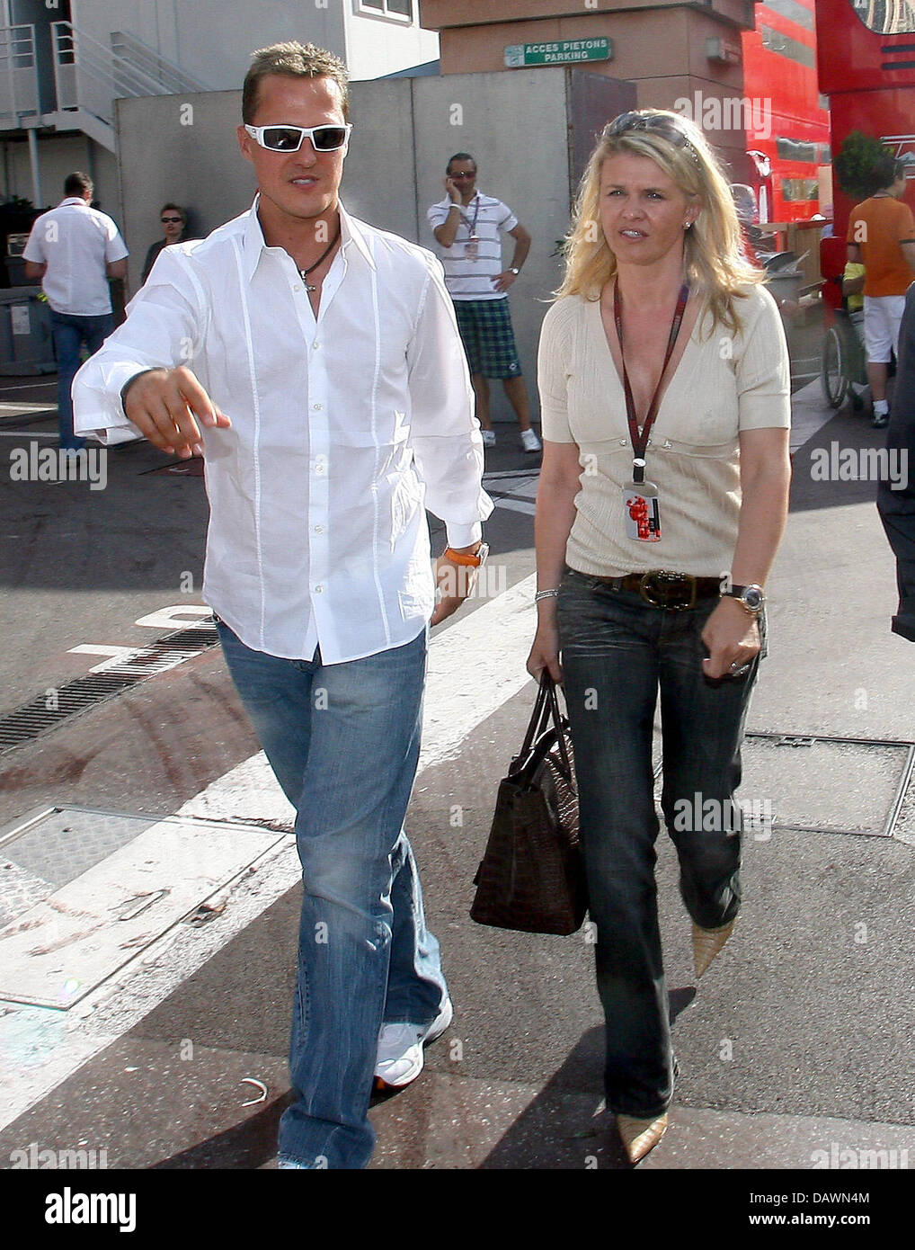 The wife of Michael Schumacher sold his plane 05/12/2015 70