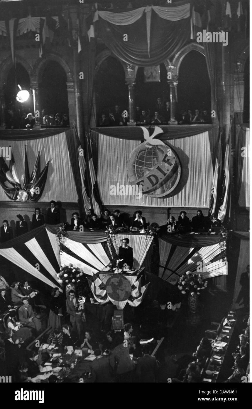 politics, International Women's Congress, Budapest, 3.- 6.12.1948, opening, 3.12.1948, Women's International - Stock Image
