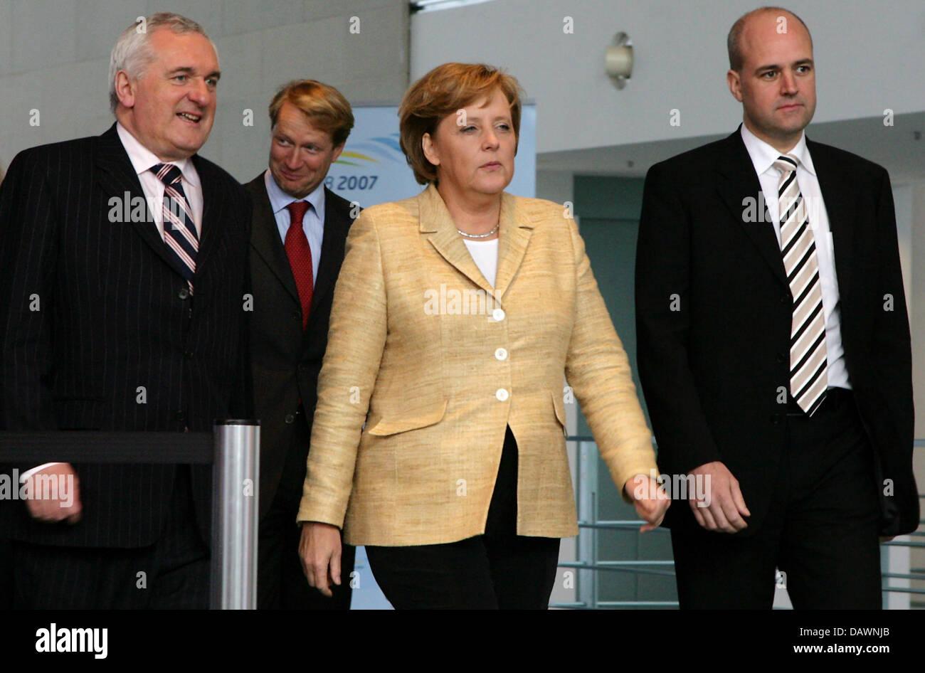 Irish Prime Minister Bertie Ahern (L), German Chancellor Angela Merkel, Swedish Prime Minister Fredrik Reinfeldt - Stock Image