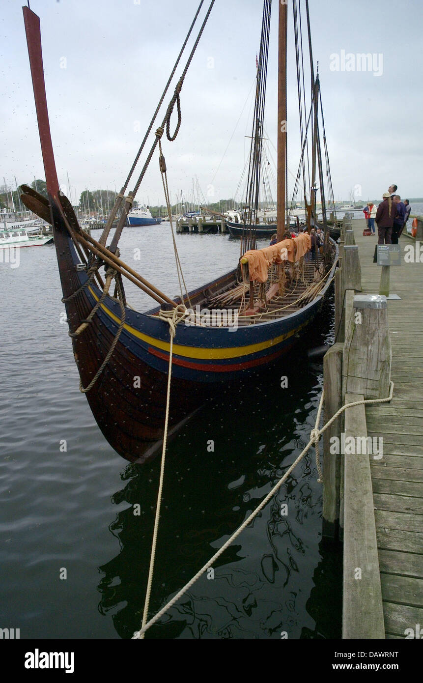 The 30m long reconstruction of viking long ship 'Skuldelev 2' named 'Havhingsten fra Glendalough' - Stock Image