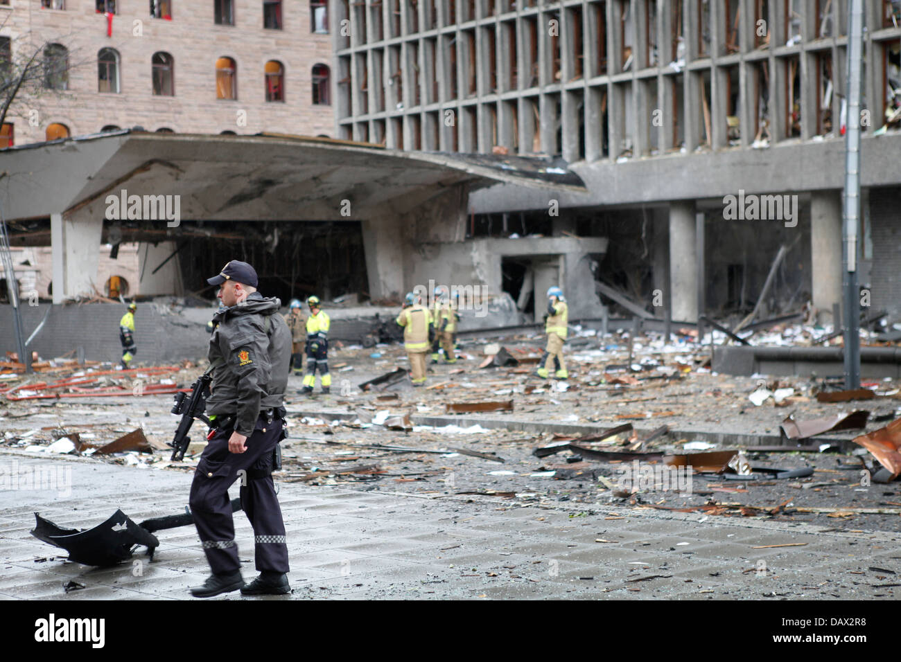 The government building an hour after the bomb went off, Oslo, July 22. 2011 - Stock Image
