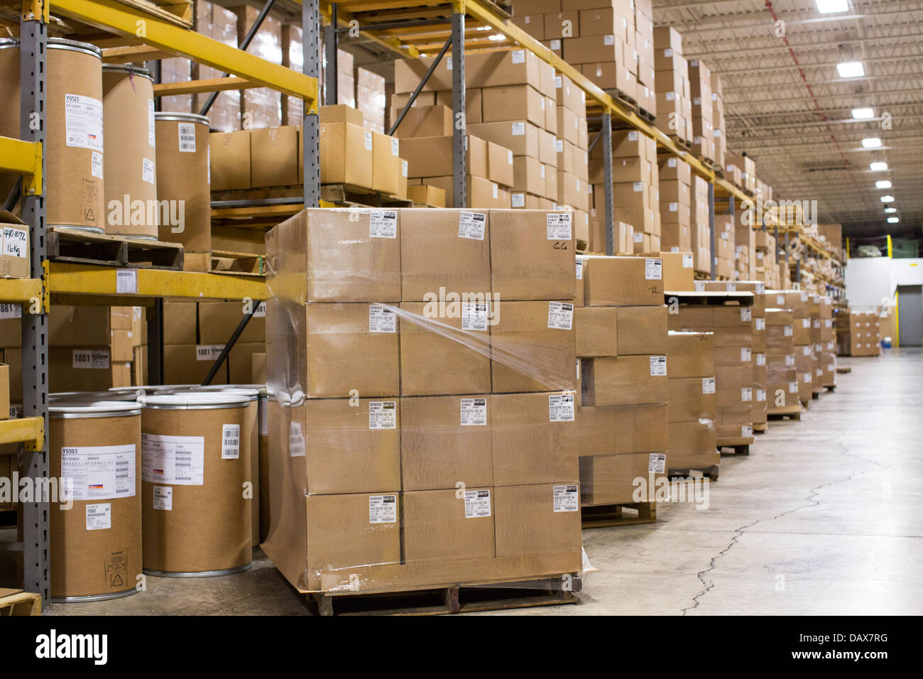 an industrial warehouse full of cardboard boxes on shelving stock rh alamy com warehouse boxes exeter warehouse boxes and boogies exeter