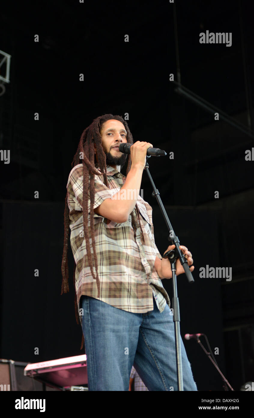 Portsmouth, Virginia, USA. 18th July, 2013. Reggae singer JULIAN MARLEY live at The Ntelos Pavilion in Portsmouth. Stock Photo