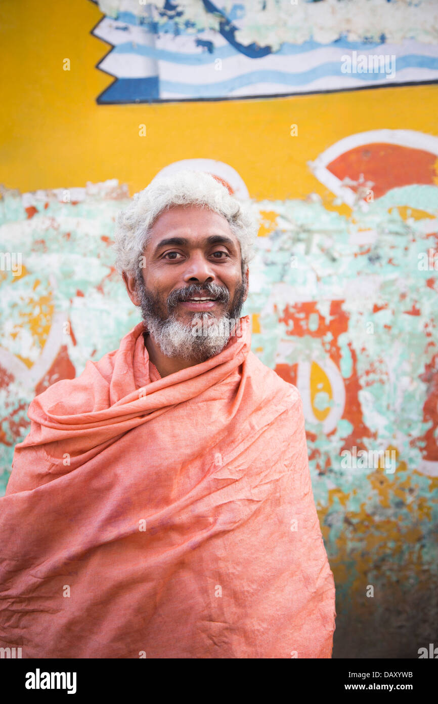 Portrait of a sadhu smiling, Pushkar, Ajmer, Rajasthan, India - Stock Image