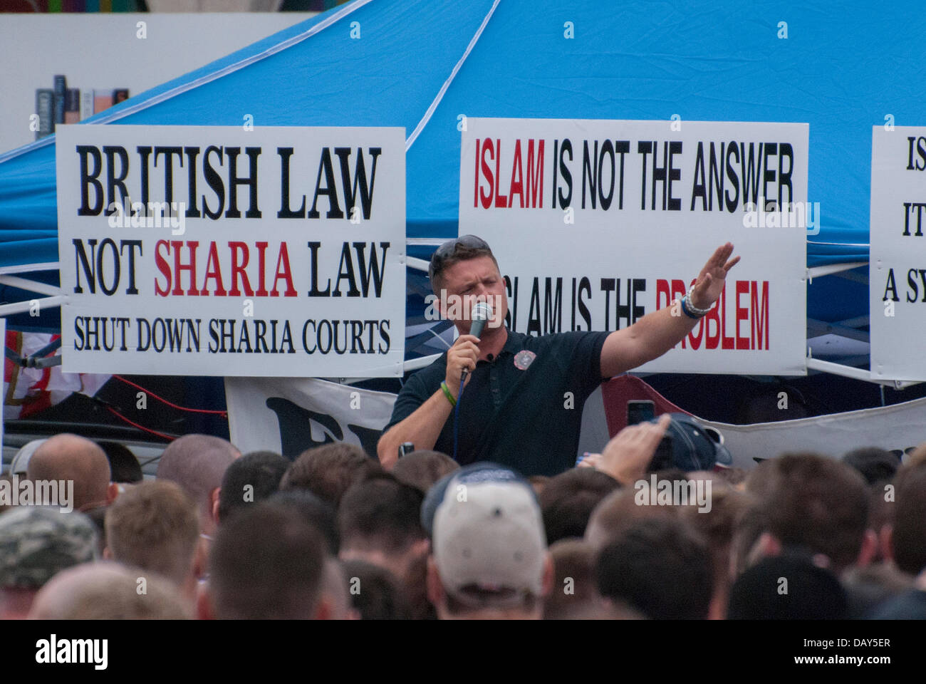 Birmingham, UK. 20th July, 2013. As crowds gathered in Centenary Square in central Birmingham, English Defence - Stock Image